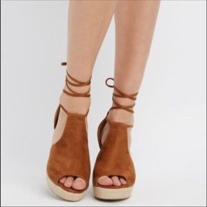 New in box Camel Suede Ankle Wrap Wedges size 7